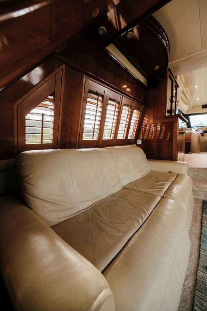 Marquis-Flybridge Motor Yacht 2004-Sandy Island Palm Coast-Florida-United States-Salon Settee-1247861 | Thumbnail