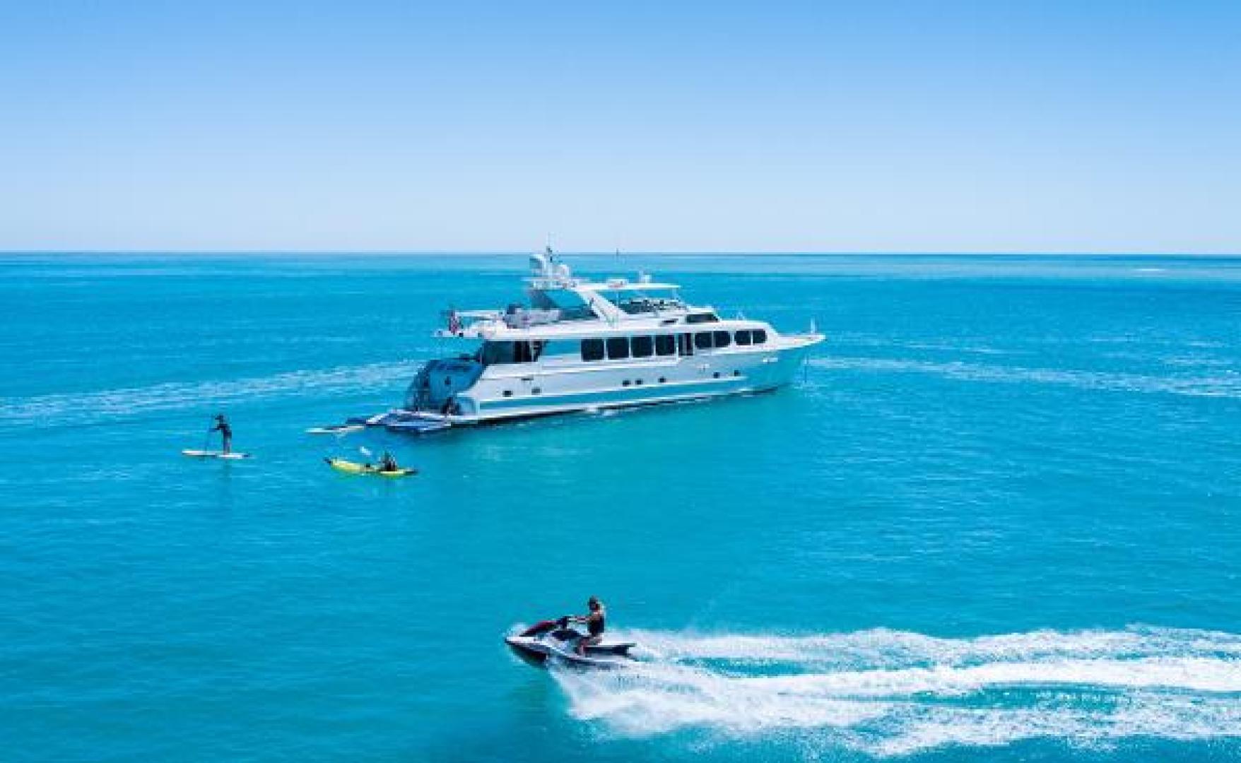 110' Broward Motor Yacht