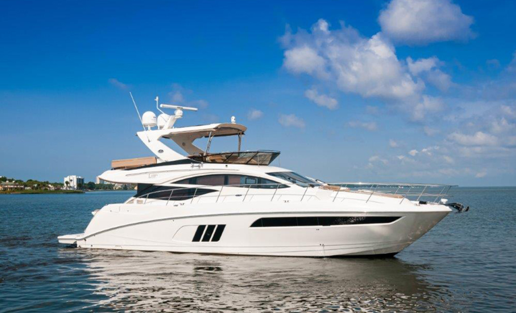 Picture Of: 59' Sea Ray L59 Flybridge 2017 Yacht For Sale | 1 of 64