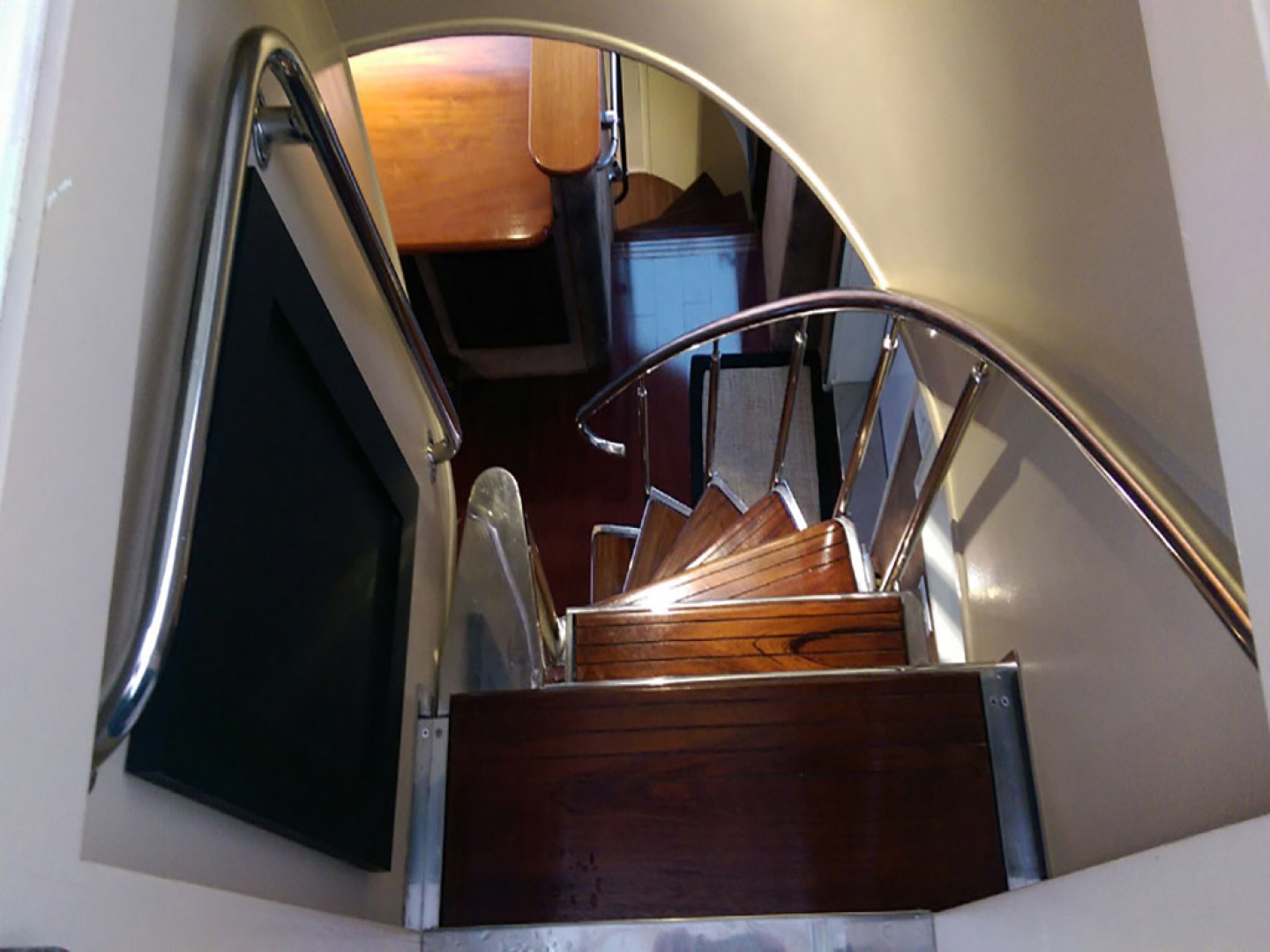 Hatteras-Cockpit Motoryacht 1989-Amelia Boca Raton-Florida-United States-Stairs From Flybridge To Breakfast Area-1206106 | Thumbnail