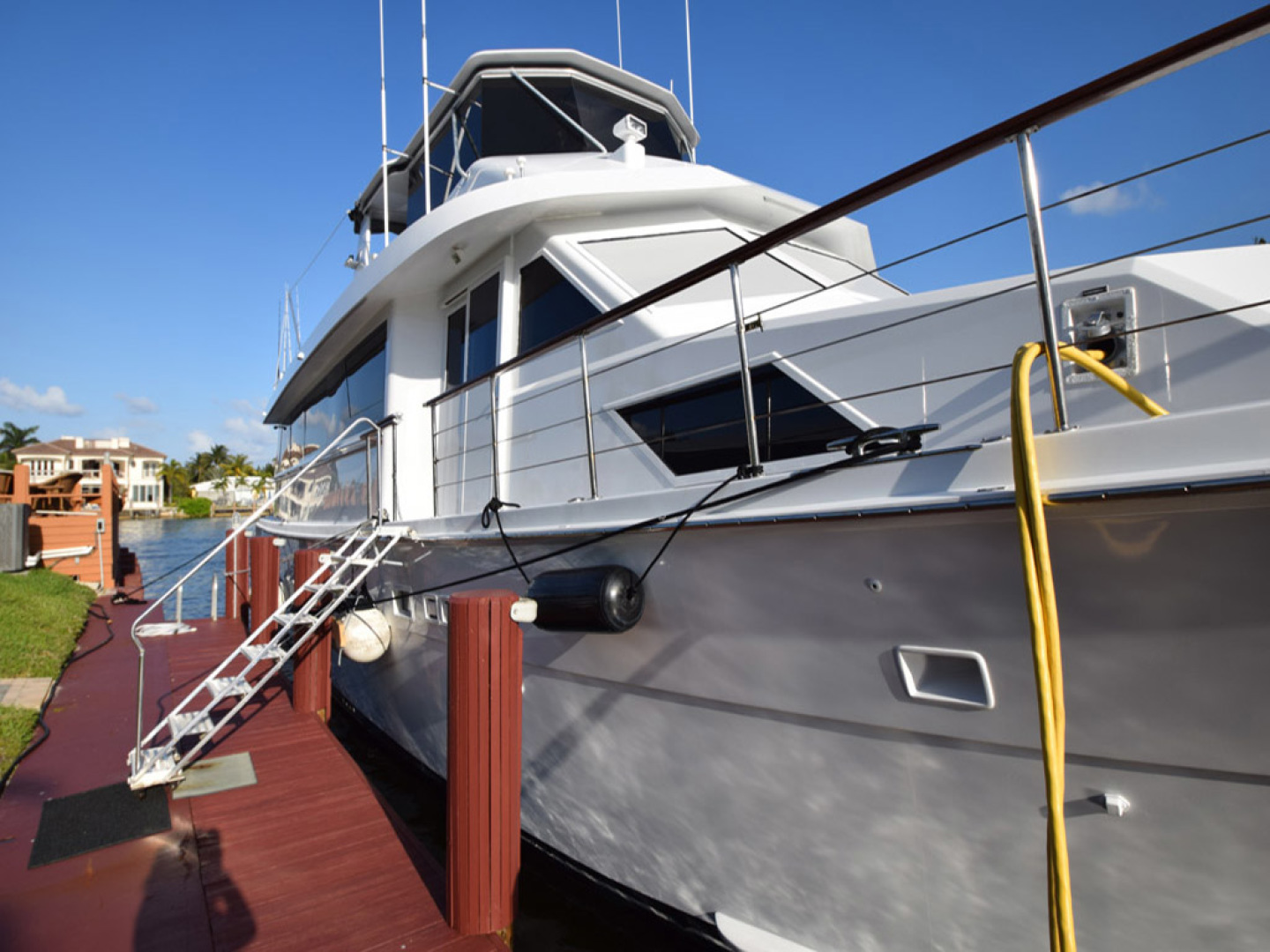 Hatteras-Cockpit Motoryacht 1989-Amelia Boca Raton-Florida-United States-Starboard Side Detail-1206078 | Thumbnail