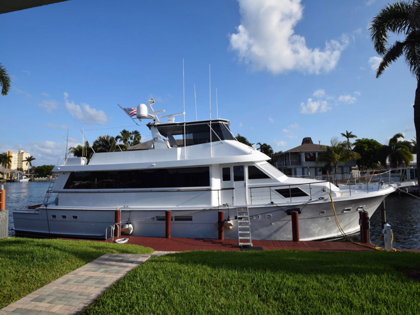 Hatteras-Cockpit Motoryacht 1989-Amelia Boca Raton-Florida-United States-Starboard Side At Dock-1206151 | Thumbnail
