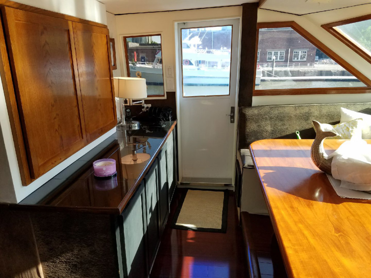 Hatteras-Cockpit Motoryacht 1989-Amelia Boca Raton-Florida-United States-Breakfast Area From Starboard To Port View-1206107 | Thumbnail