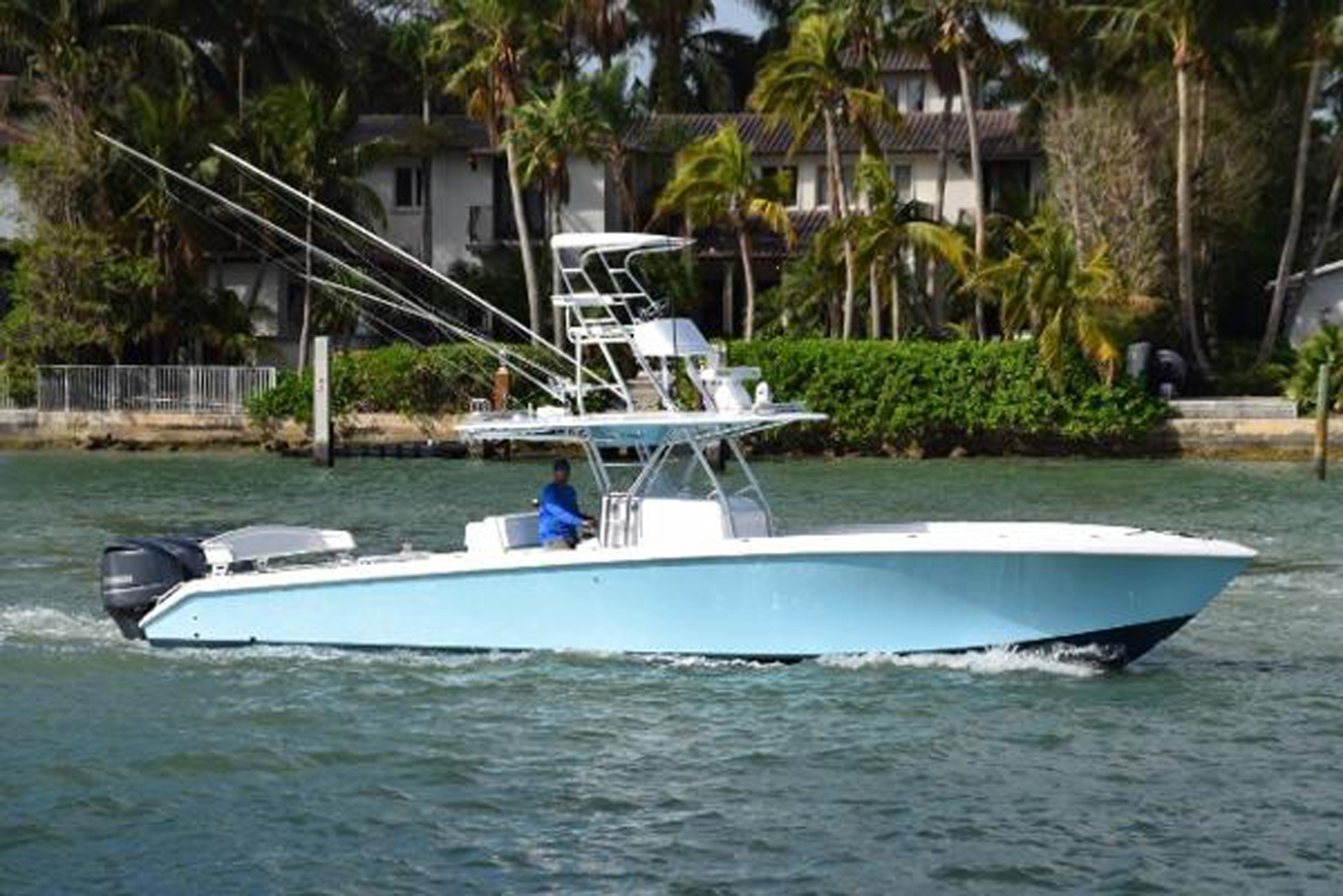 Picture Of: 41' Bahama SeaKeeper Gyro equipped 2014 Yacht For Sale | 2 of 36