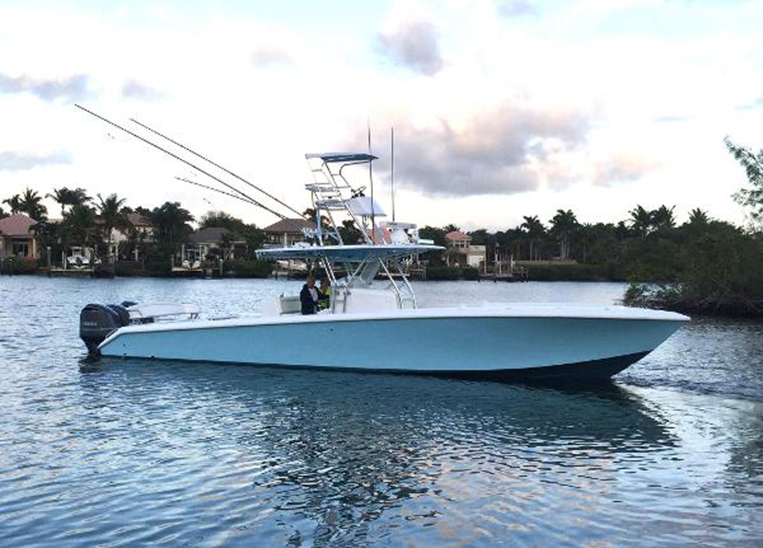 Picture Of: 41' Bahama SeaKeeper Gyro equipped 2014 Yacht For Sale | 1 of 36