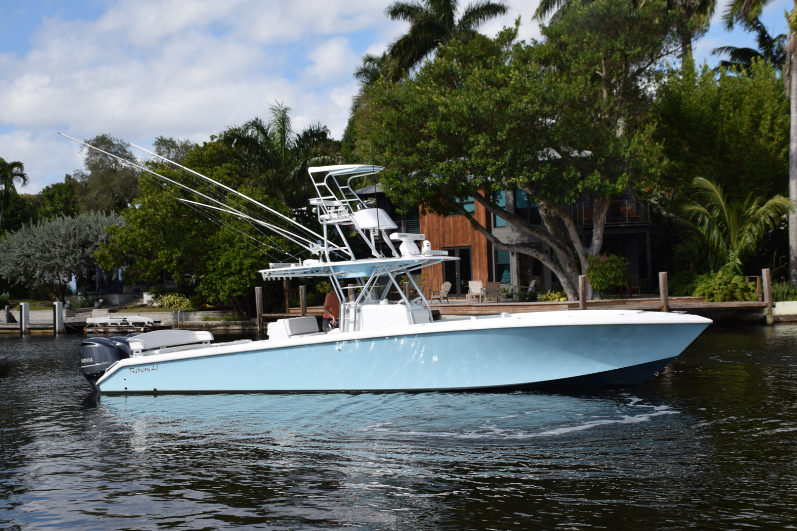 Picture Of: 41' Bahama SeaKeeper Gyro equipped 2014 Yacht For Sale | 2 of 37