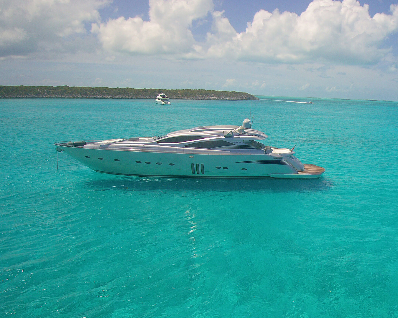 Picture Of: 90' Pershing 90 2007 Yacht For Sale | 1 of 109
