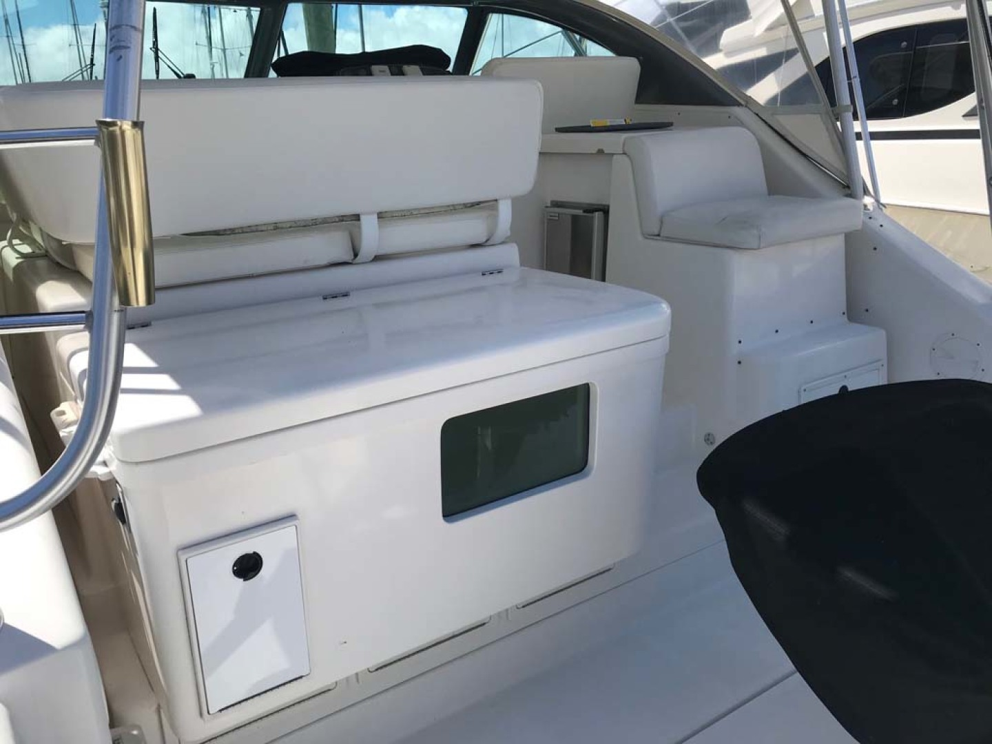 Pursuit-Express 2003-N Pursuit St. Augustine-Florida-United States-Tackle center w/ large livewell, sink, and storage compartment-1221517 | Thumbnail