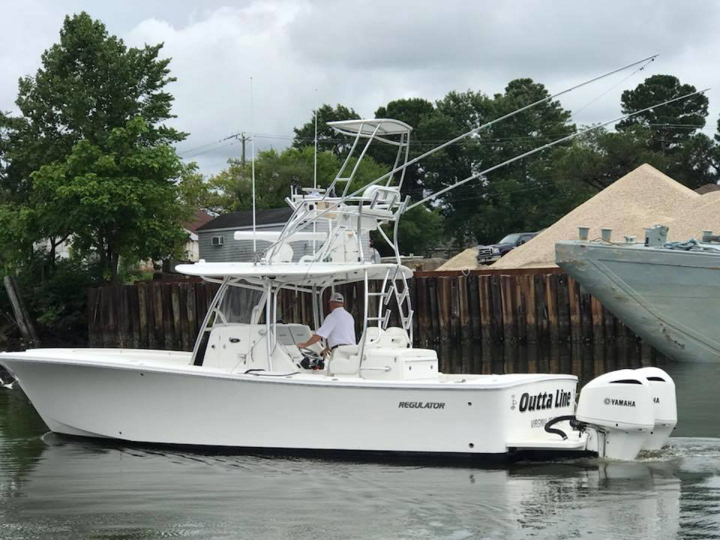 Outta Line is a Regulator 31 Yacht For Sale in Virginia Beach--0