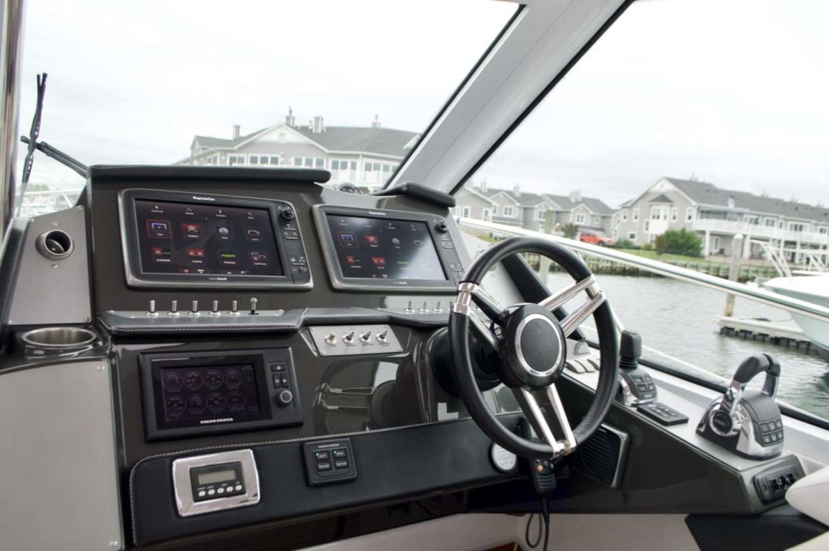 Four Winns-H440 2015-Captain Jac Long Island-New York-United States-Helm-1222747 | Thumbnail