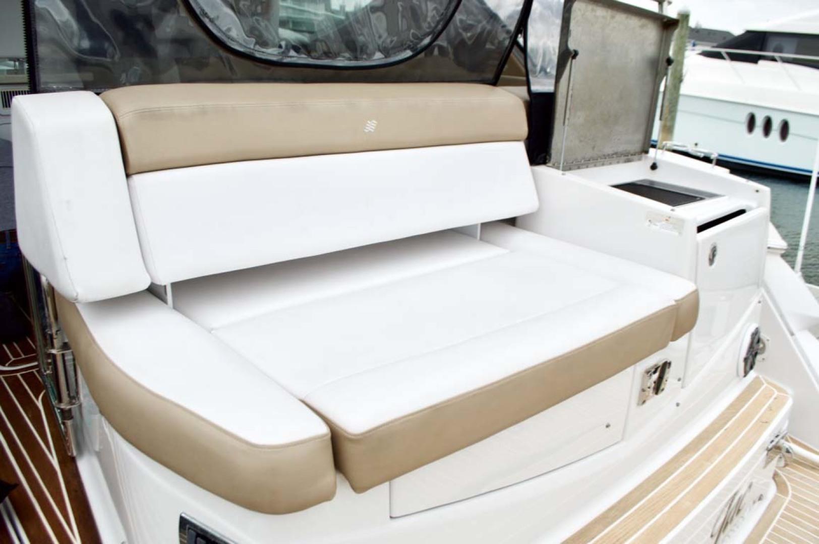 Four Winns-H440 2015-Captain Jac Long Island-New York-United States-Transom Seat-1222757 | Thumbnail