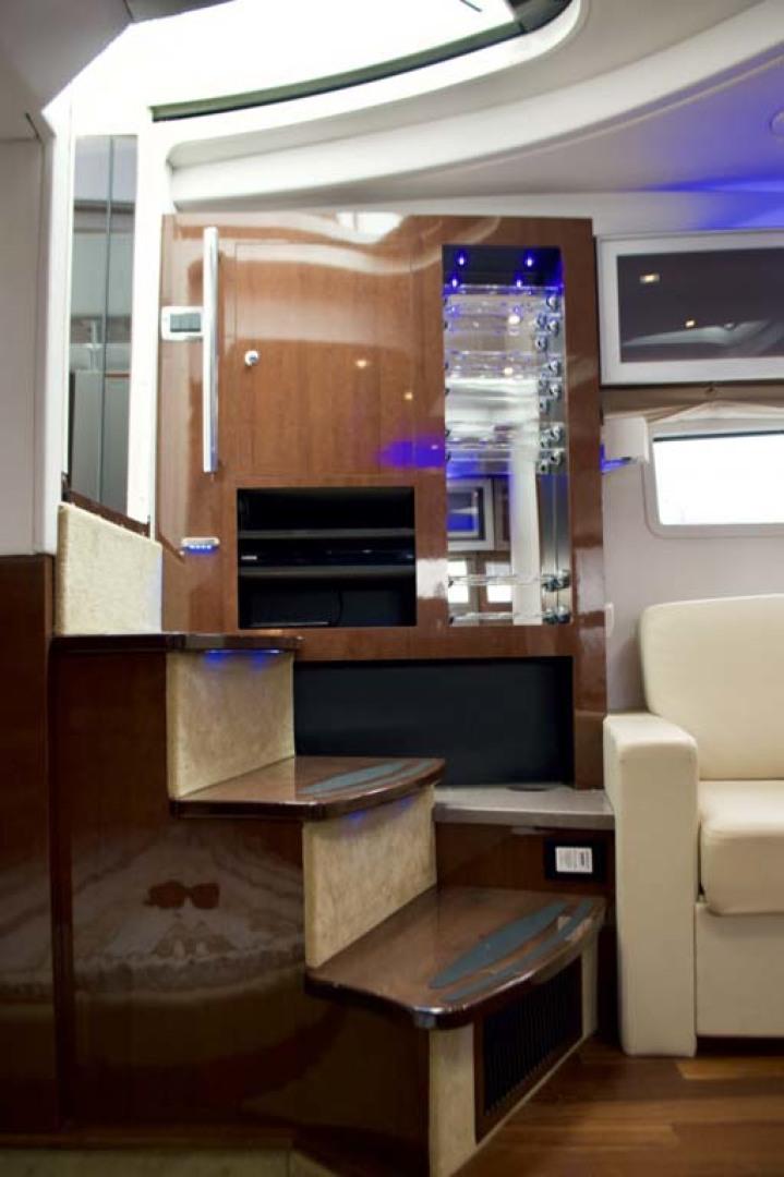 Four Winns-H440 2015-Captain Jac Long Island-New York-United States-Cabin Entry-1222735 | Thumbnail