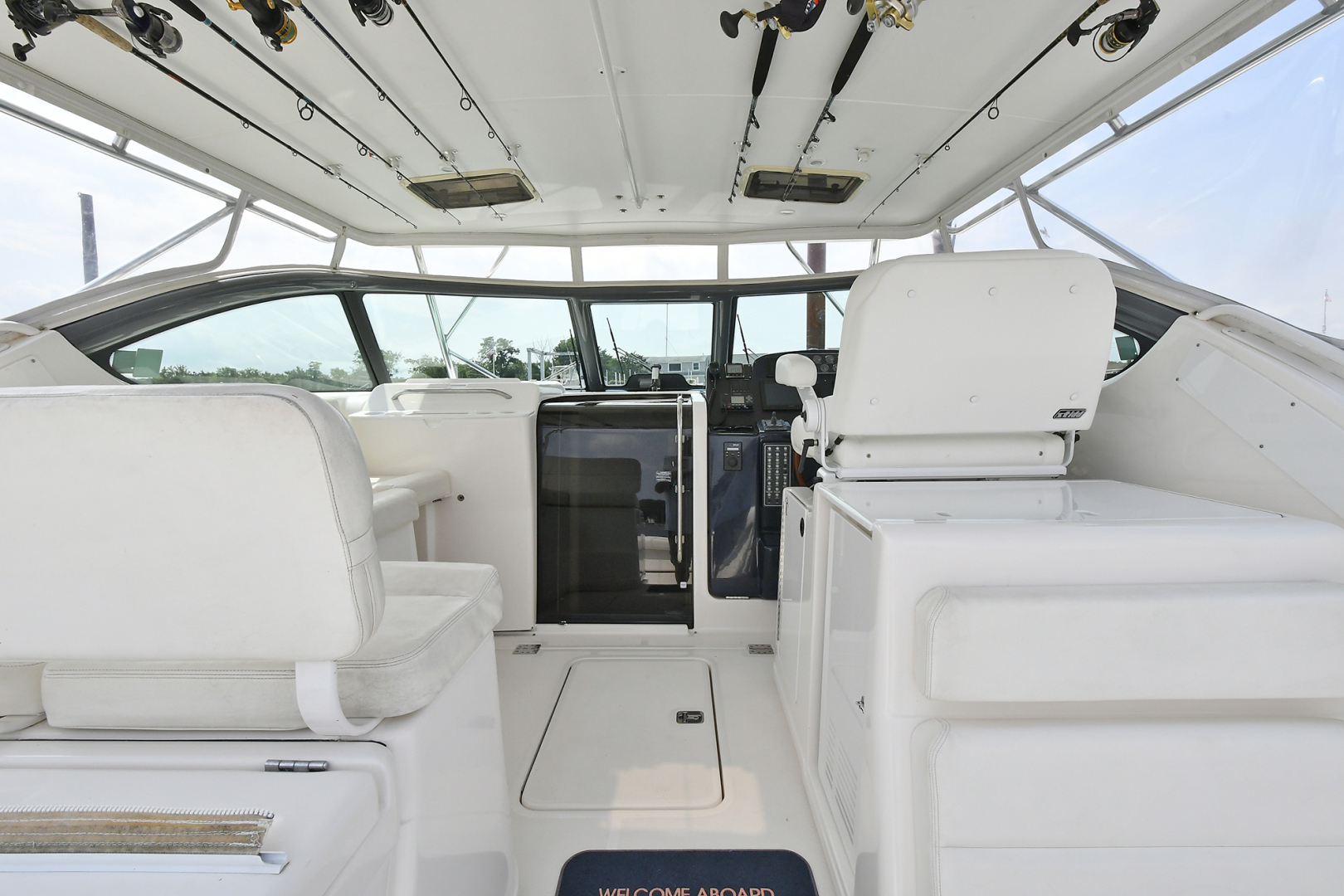 Tiara-3800 Open 2003-Catch 22 Oyster Bay-New York-United States-Helm Deck-1224912 | Thumbnail