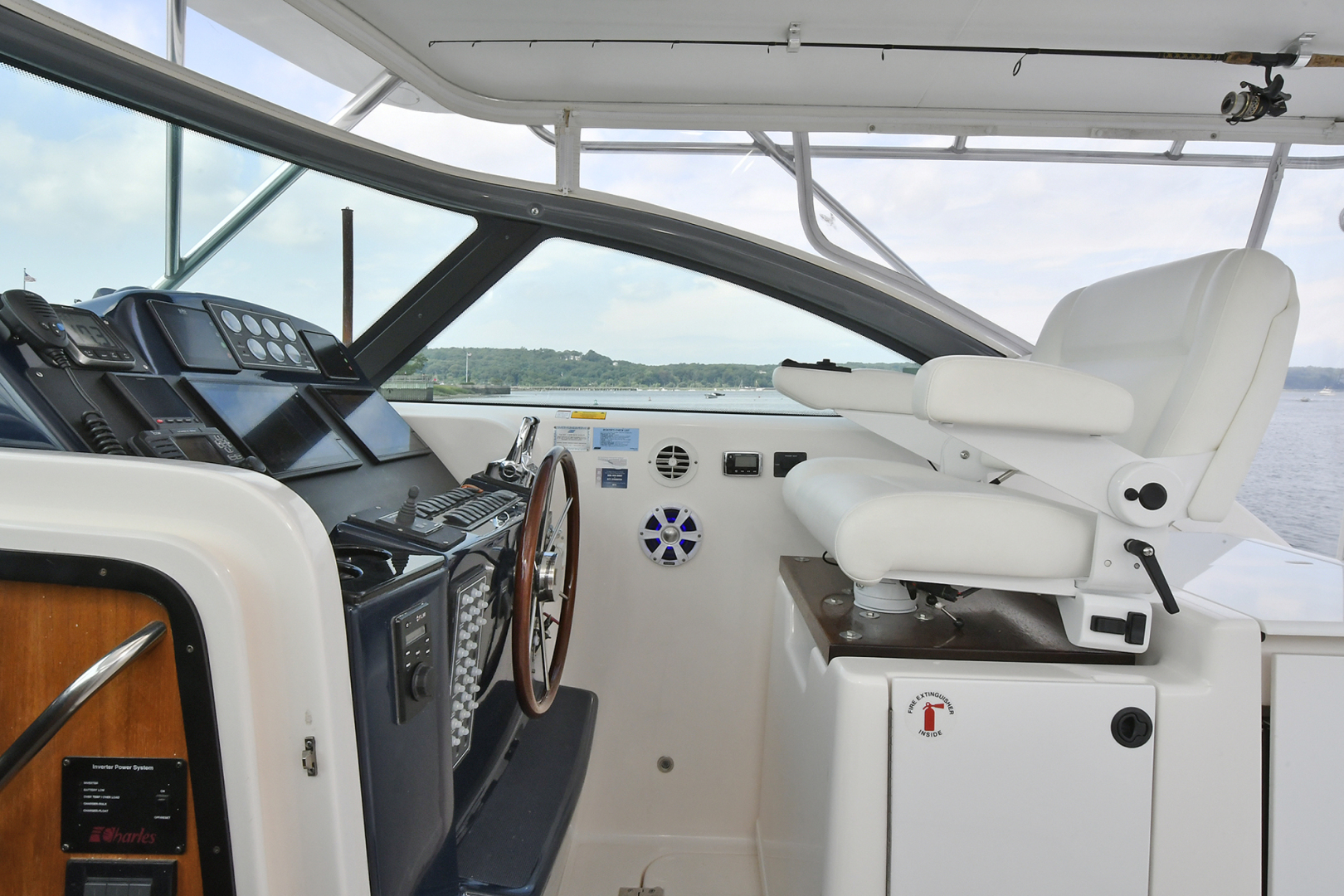 Tiara-3800 Open 2003-Catch 22 Oyster Bay-New York-United States-Helm Station-1224916 | Thumbnail