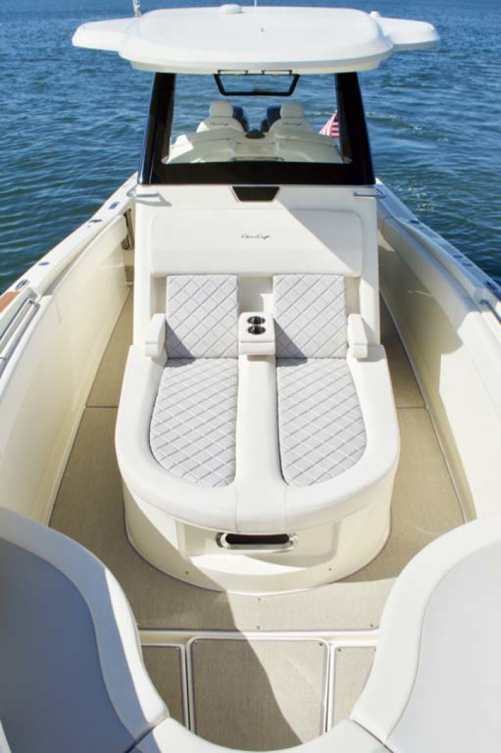 Chris-Craft-30 Catalina 2018-Blue Waters Long Island-New York-United States-Forward Seating To Aft-1228940 | Thumbnail