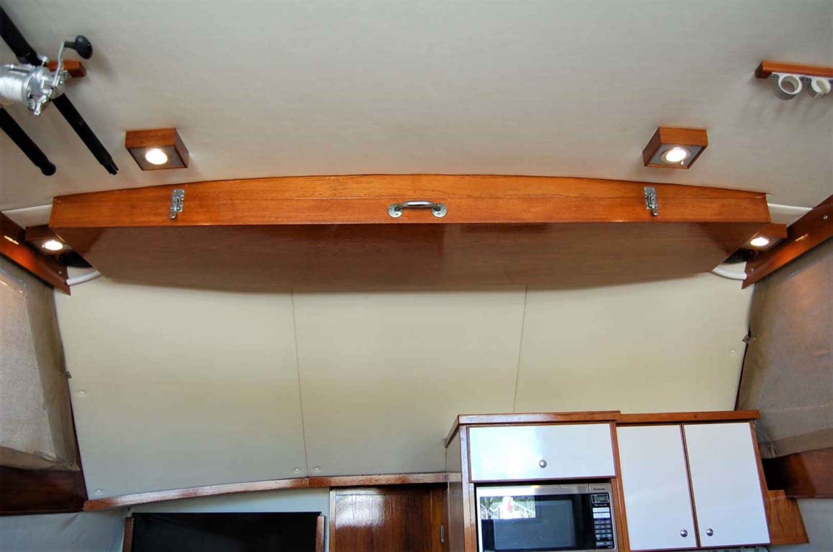 Henriques-38 Convertible 1988-Restless Southold-New York-United States-Overhead Rod Storage-1228524 | Thumbnail