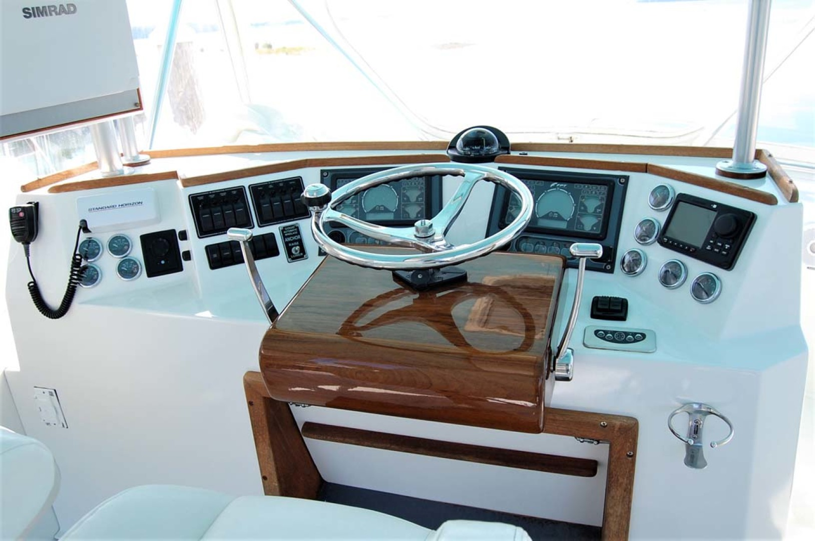 Henriques-38 Convertible 1988-Restless Southold-New York-United States-Helm-1228529 | Thumbnail