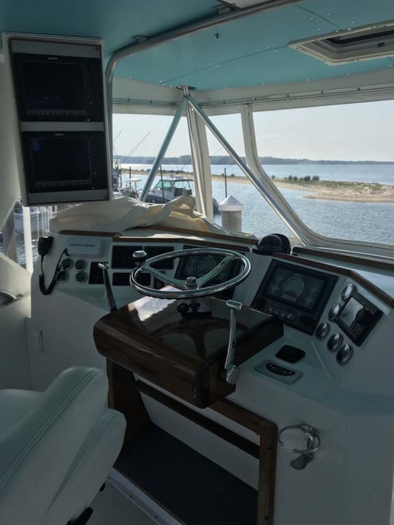 Henriques-38 Convertible 1988-Restless Southold-New York-United States-Helm-1228537 | Thumbnail