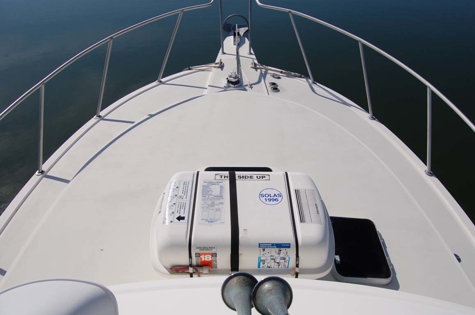 Henriques-38 Convertible 1988-Restless Southold-New York-United States-Foredeck-1228516 | Thumbnail