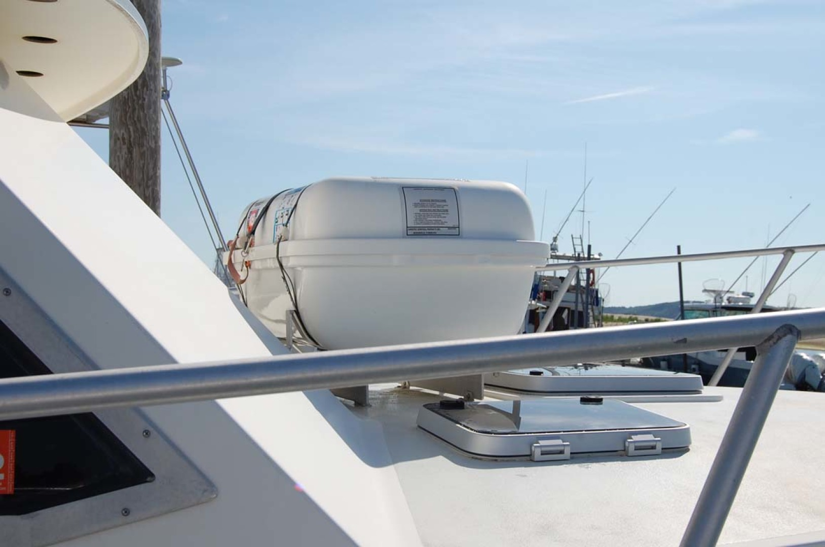 Henriques-38 Convertible 1988-Restless Southold-New York-United States-Forward Deck With Life Raft-1228548 | Thumbnail