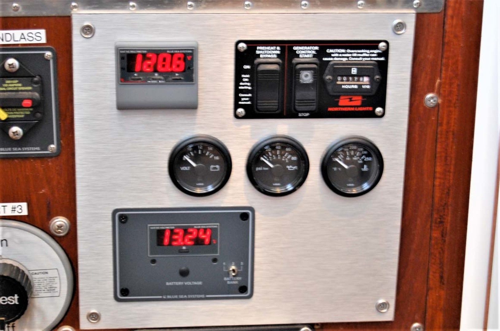 Henriques-38 Convertible 1988-Restless Southold-New York-United States-Generator Controls-1228540 | Thumbnail