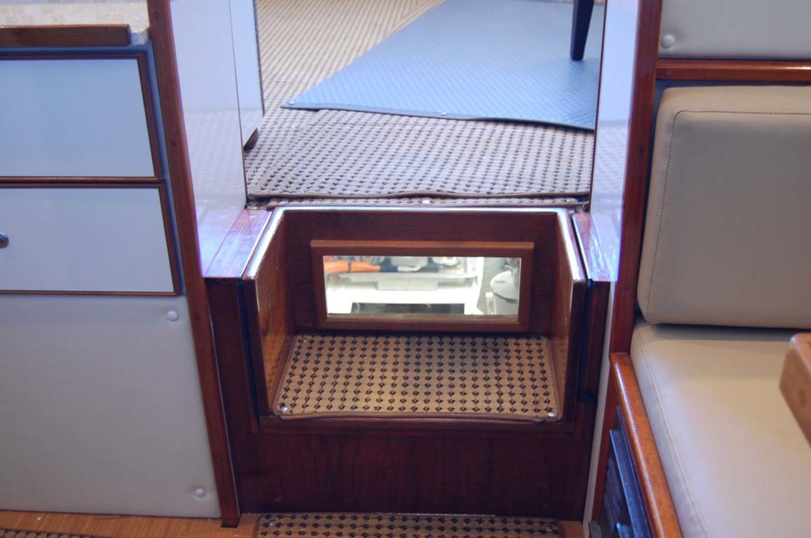 Henriques-38 Convertible 1988-Restless Southold-New York-United States-Engine Room Viewing Window In Step-1228551 | Thumbnail