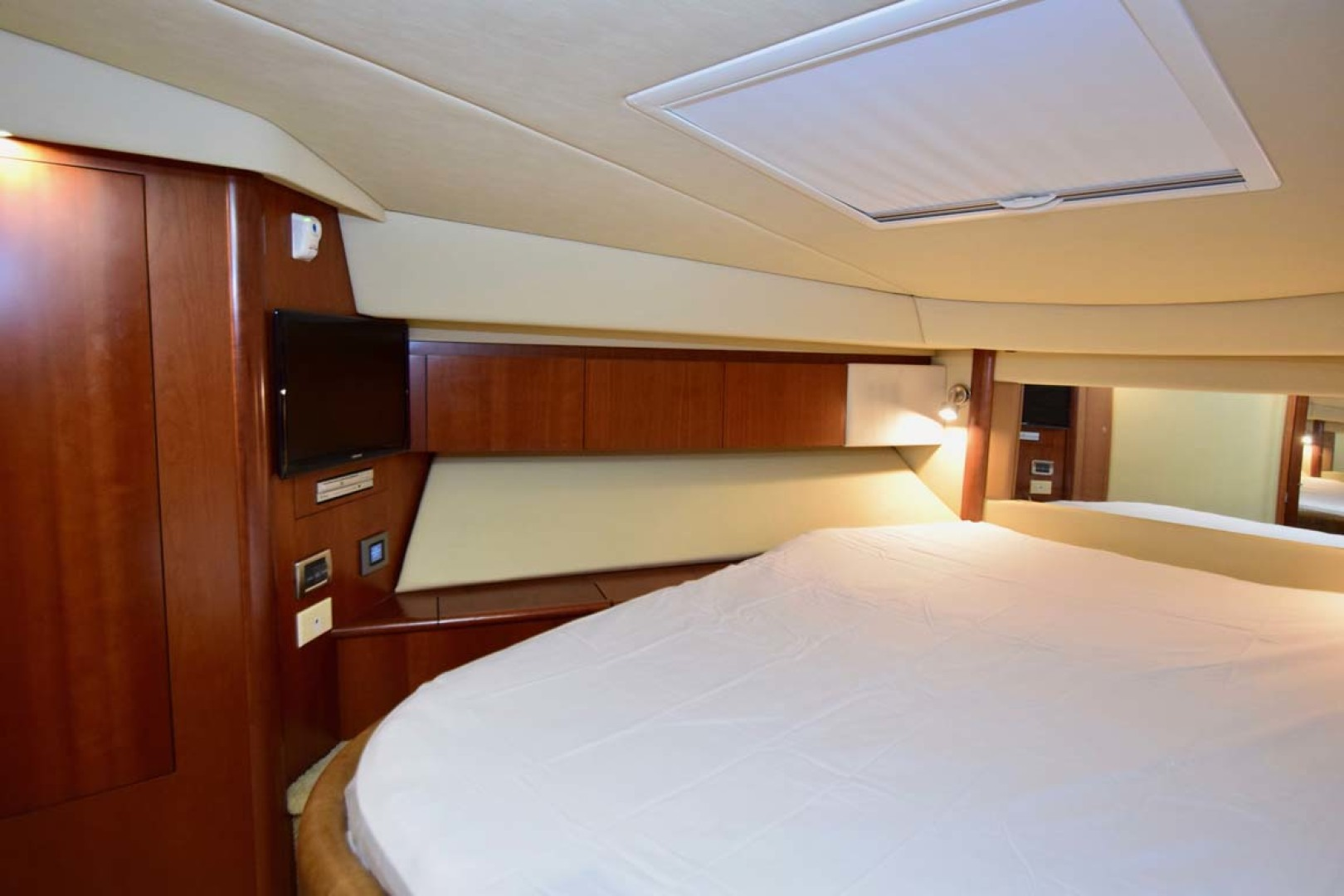 Sea Ray-44 Sedan Bridge 2006-Mr. Munch Coral Gables-Florida-United States-Forward Stateroom To PORT-1229858 | Thumbnail