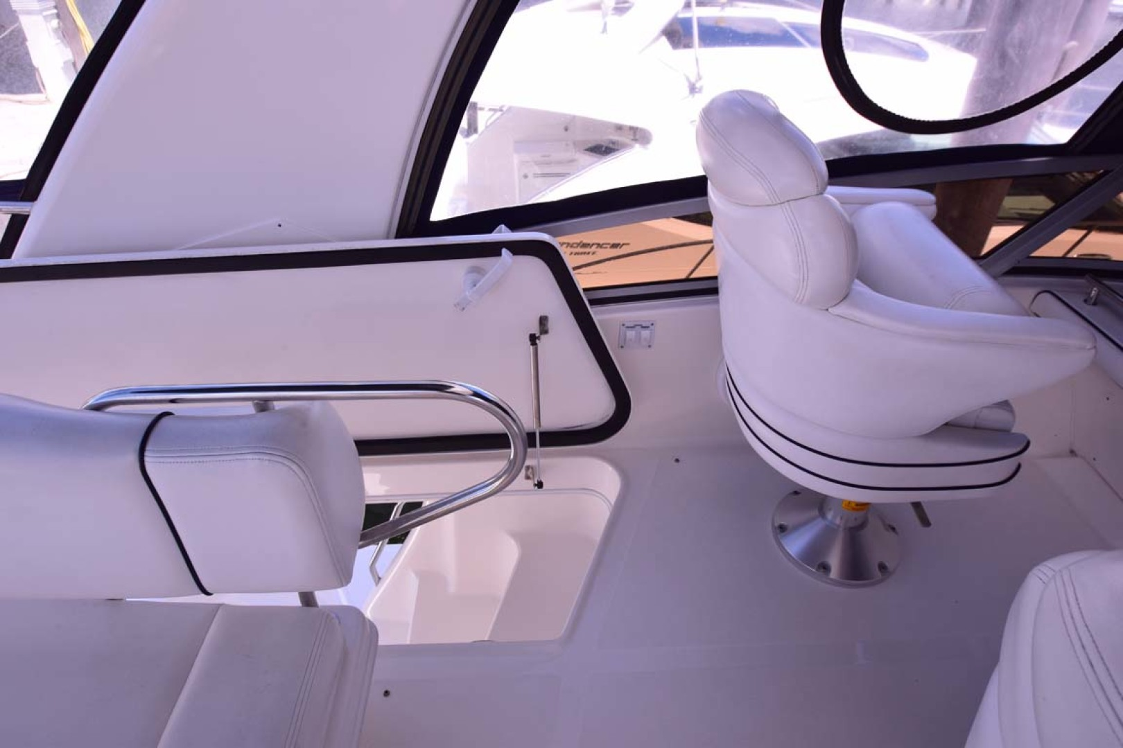 Sea Ray-44 Sedan Bridge 2006-Mr. Munch Coral Gables-Florida-United States-Flybridge Helm Seating With Hatch To Deck Below-1229883 | Thumbnail