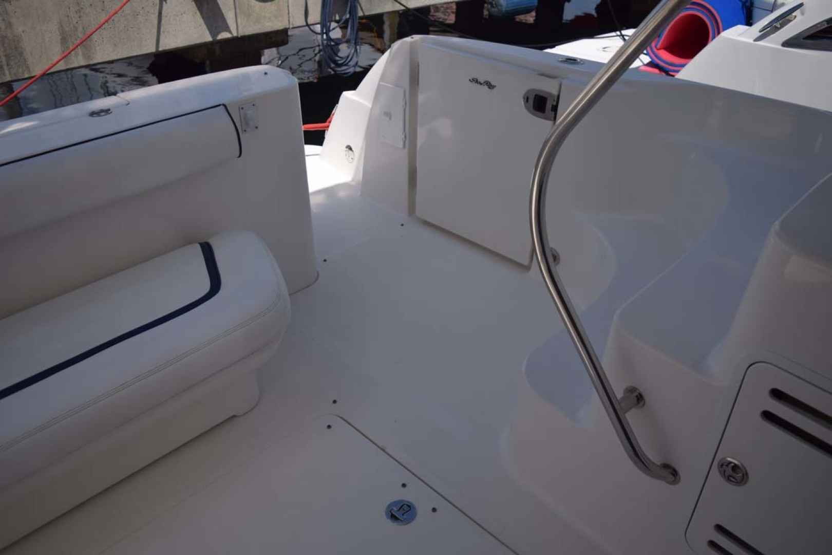 Sea Ray-44 Sedan Bridge 2006-Mr. Munch Coral Gables-Florida-United States-Aft Deck With To Flybridge-1229873 | Thumbnail