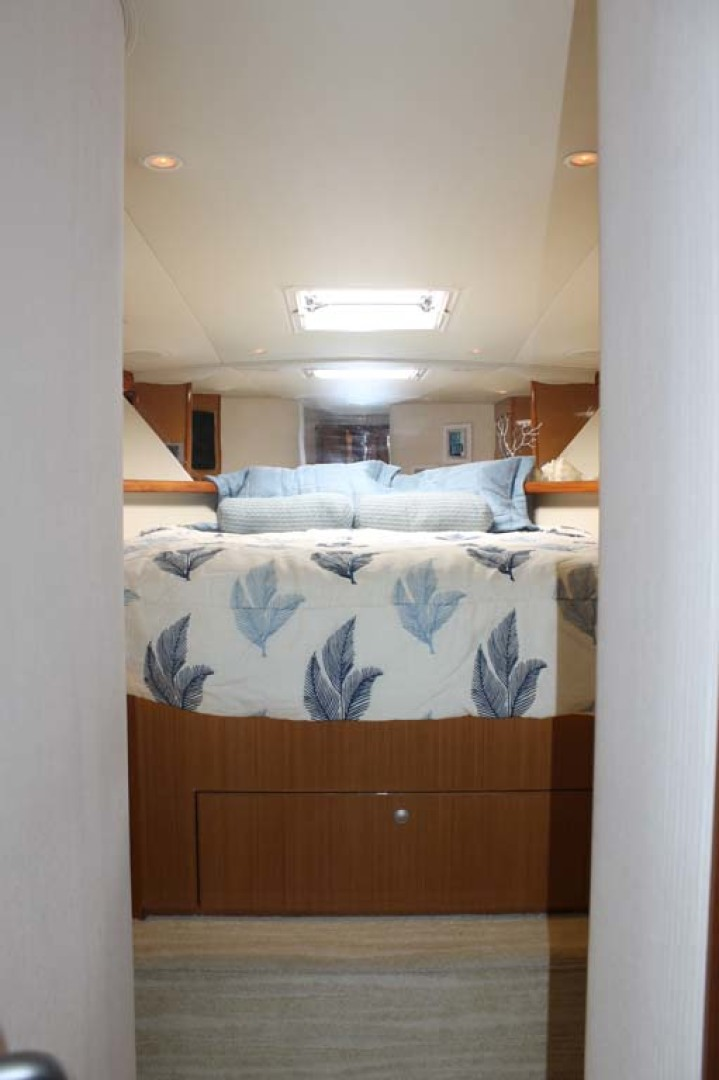 Viking-52 Convertible 2002-Wound Up Cape May-New Jersey-United States-VIP Stateroom-1230070 | Thumbnail