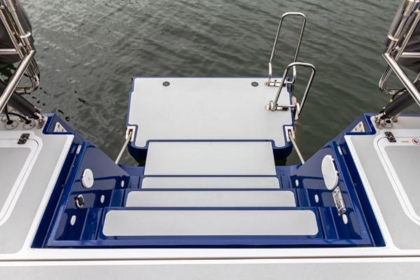 Custom-Farr 85 Deck Salon 2020-Sapphire Knight California-United States-1230221 | Thumbnail