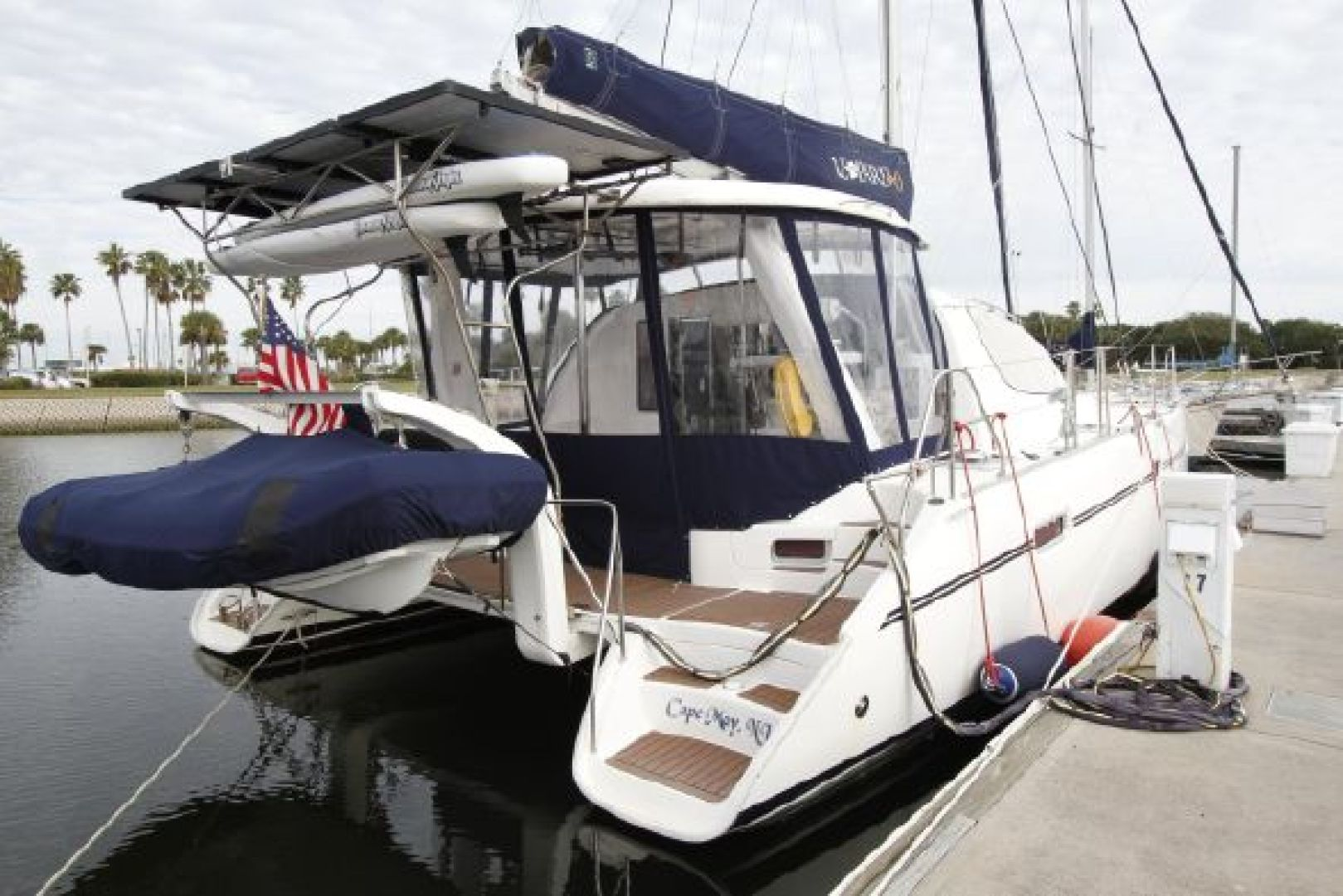 Picture Of: 40' Leopard 2007 Yacht For Sale   1 of 26