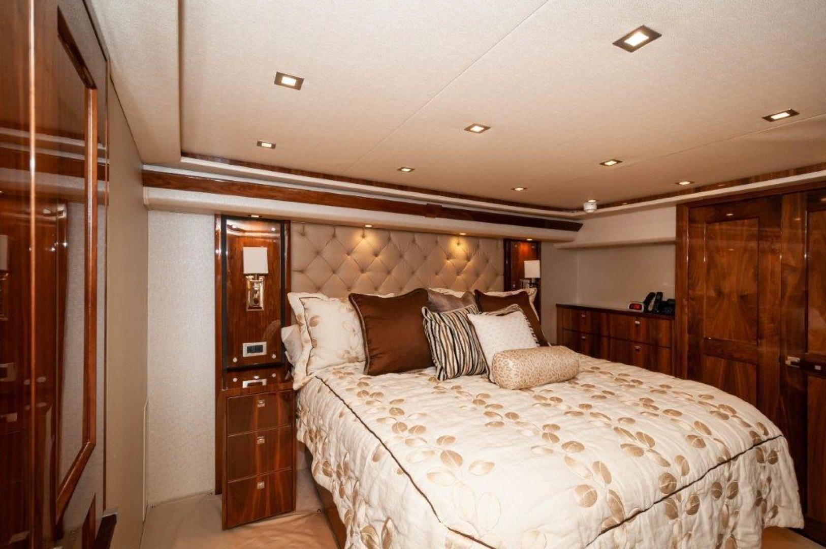 Viking-72 Enclosed Bridge 2017-SHARE E Orange Beach-Alabama-United States-2017 72 EB Viking SHARE-E Master Stateroom-1361362 | Thumbnail