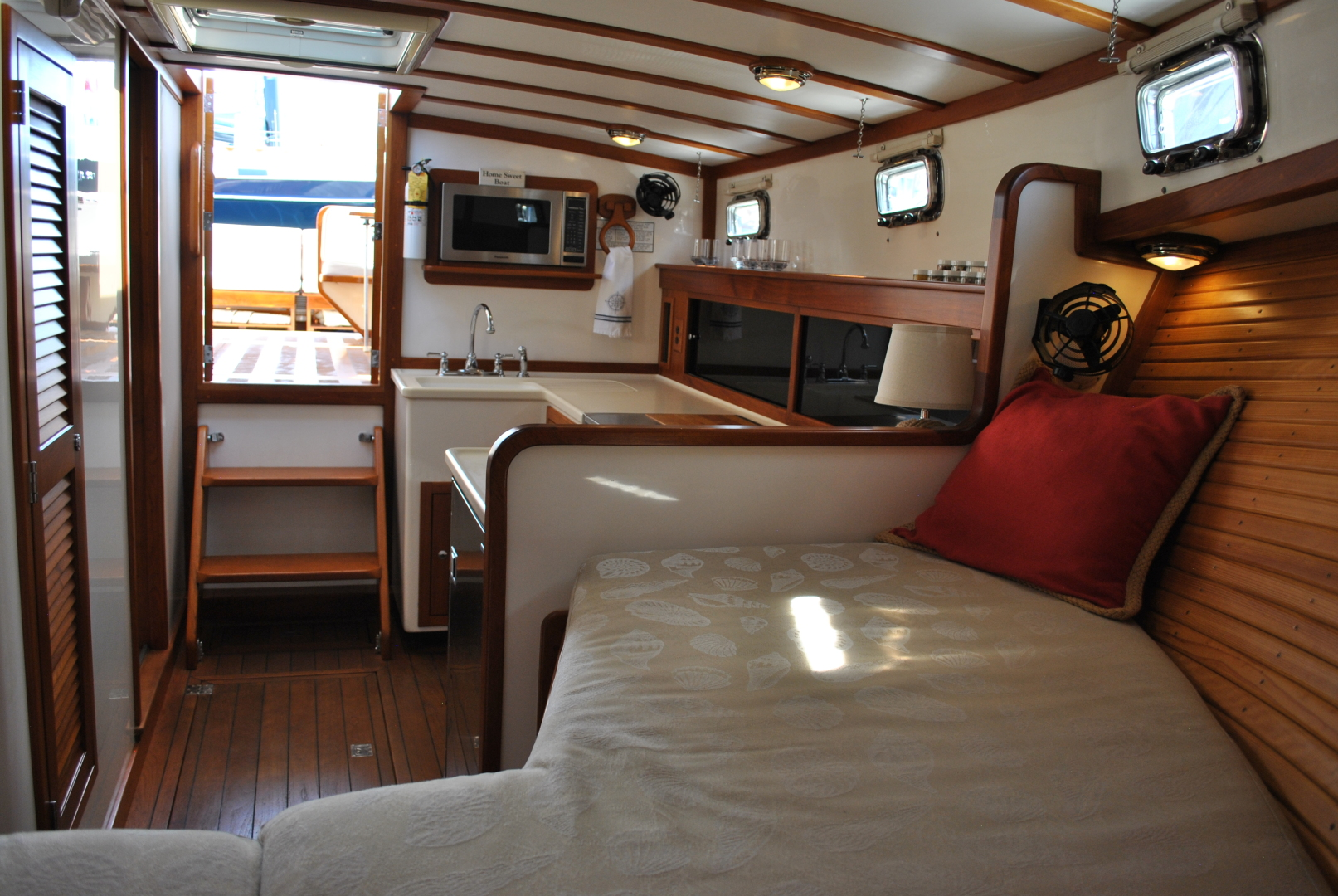 Picture Of: 36' Ellis Express 2006 Yacht For Sale | 2 of 22