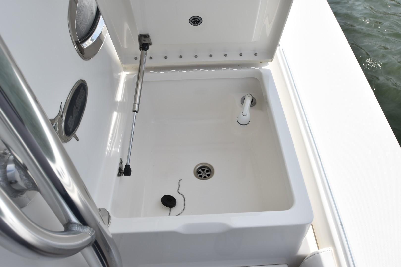 Regulator-34SS Center Console 2012-Reel Dirty Beaufort-North Carolina-United States-1235019 | Thumbnail