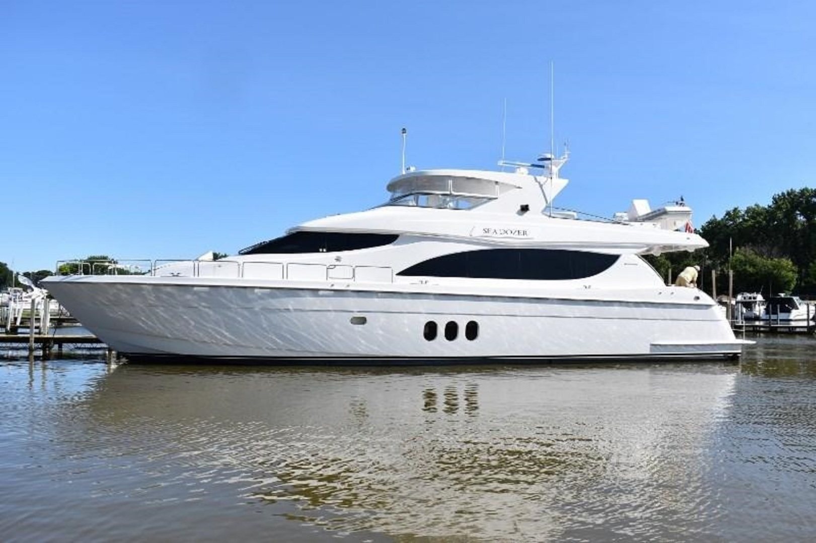 SEA DOZER is a Hatteras 80 Motoryacht Yacht For Sale in Jupiter--0