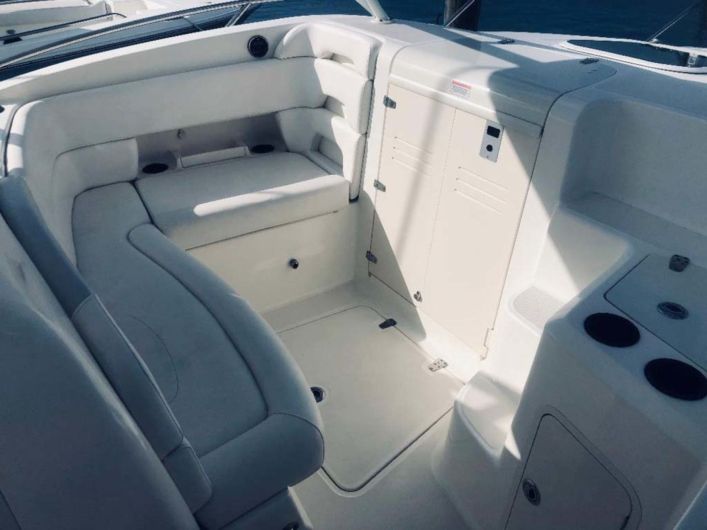 Boston Whaler-320 Outrage 2011 -Cape May-New Jersey-United States-Forward Seating, Cuddy Entry-1237205 | Thumbnail