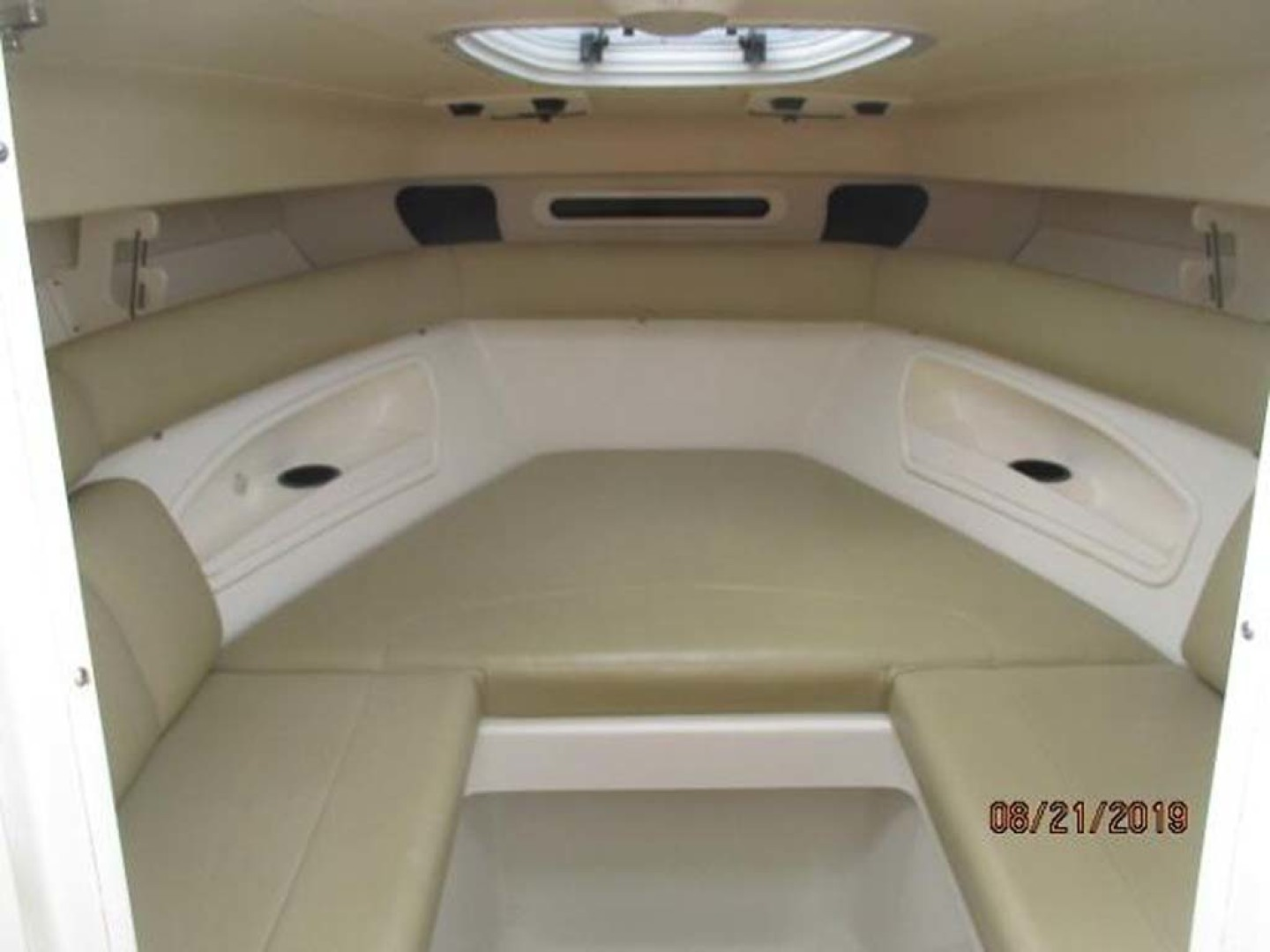 Boston Whaler-320 Outrage 2011 -Cape May-New Jersey-United States-Cuddy Seating-1237207 | Thumbnail