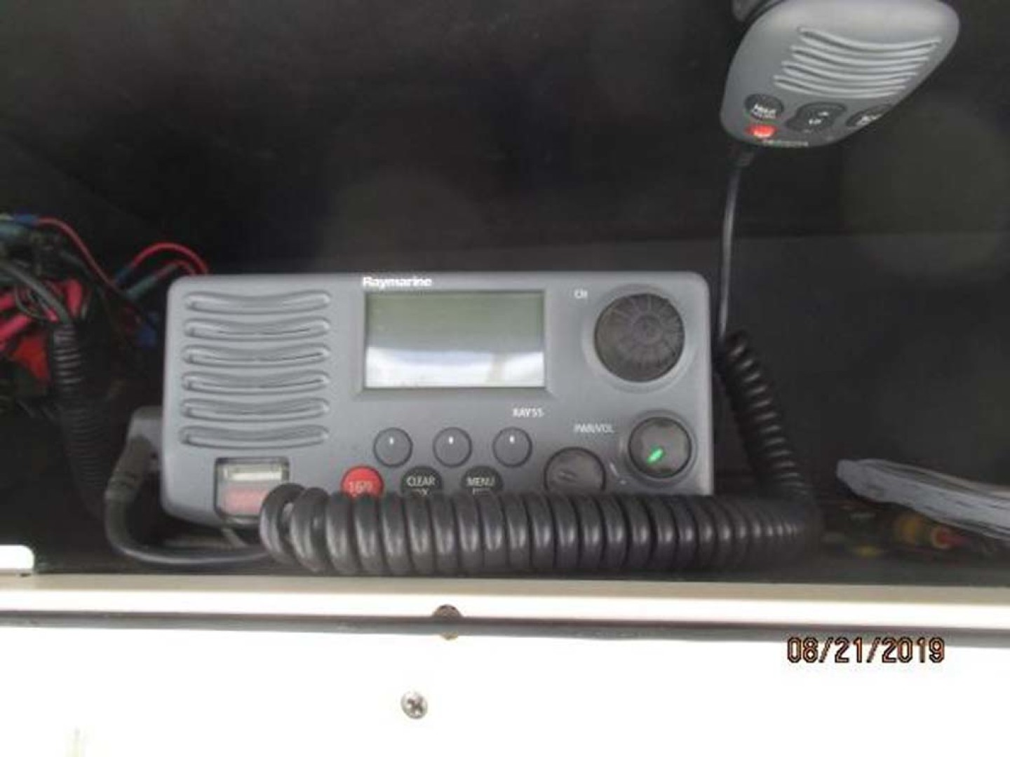 Boston Whaler-320 Outrage 2011 -Cape May-New Jersey-United States-vHF Radio-1237223 | Thumbnail