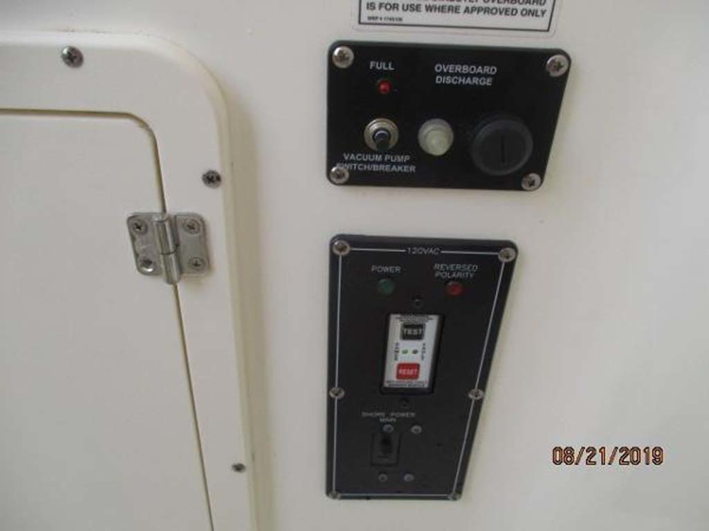 Boston Whaler-320 Outrage 2011 -Cape May-New Jersey-United States-Head Controls-1237210 | Thumbnail