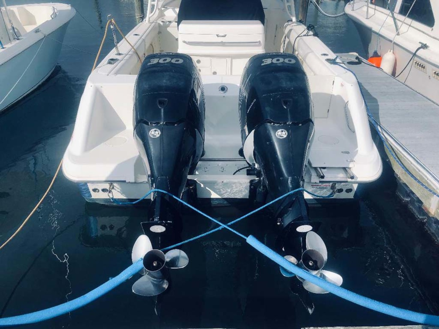 Boston Whaler-320 Outrage 2011 -Cape May-New Jersey-United States-Stern  Engines up-1237232 | Thumbnail