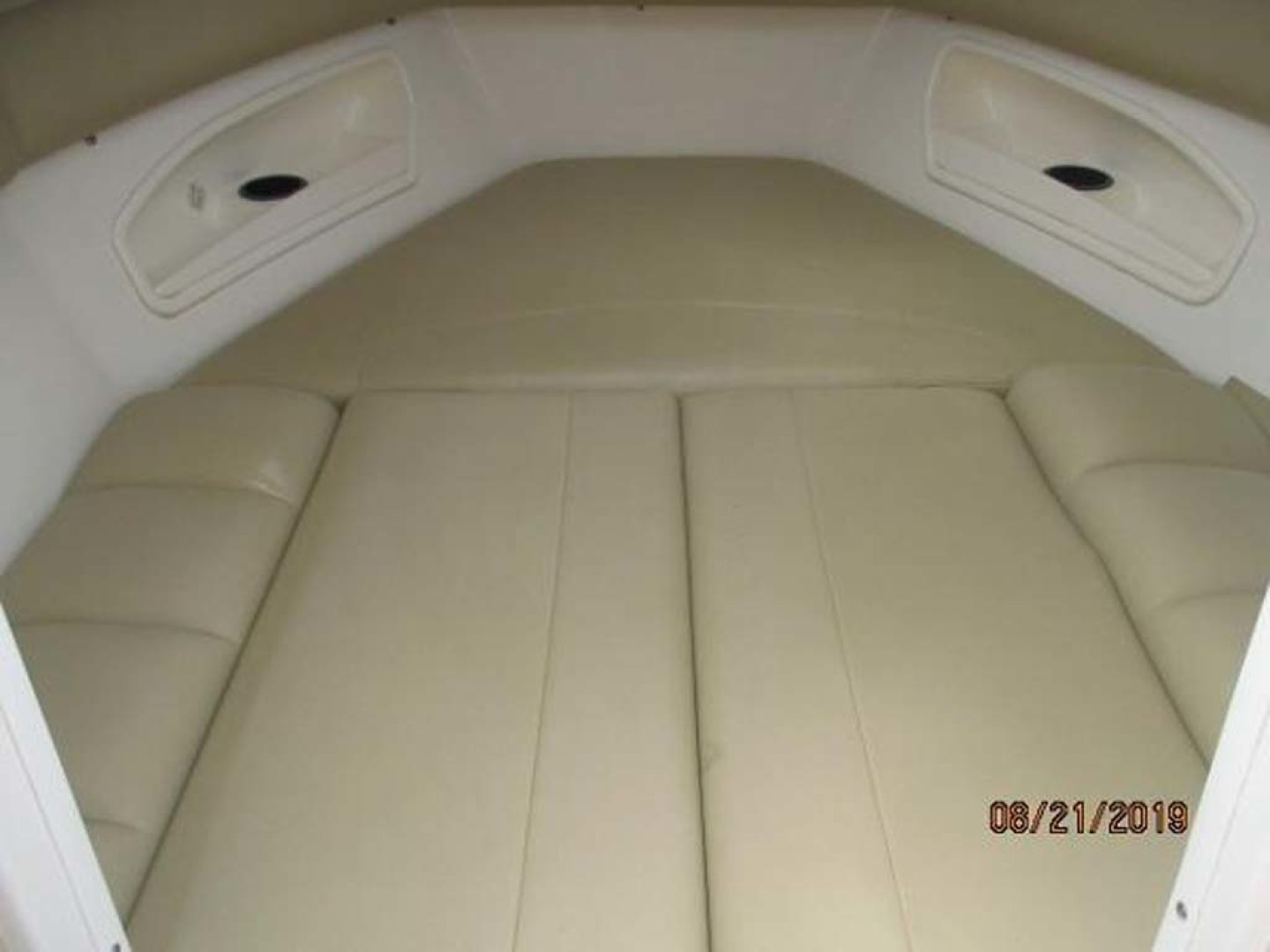 Boston Whaler-320 Outrage 2011 -Cape May-New Jersey-United States-Seating converts to Berth-1237208 | Thumbnail