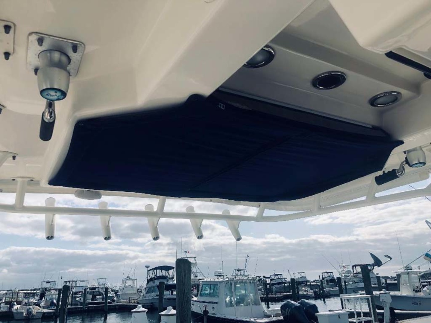 Boston Whaler-320 Outrage 2011 -Cape May-New Jersey-United States-Hardtop Aft, Rocket Launchers-1237224 | Thumbnail