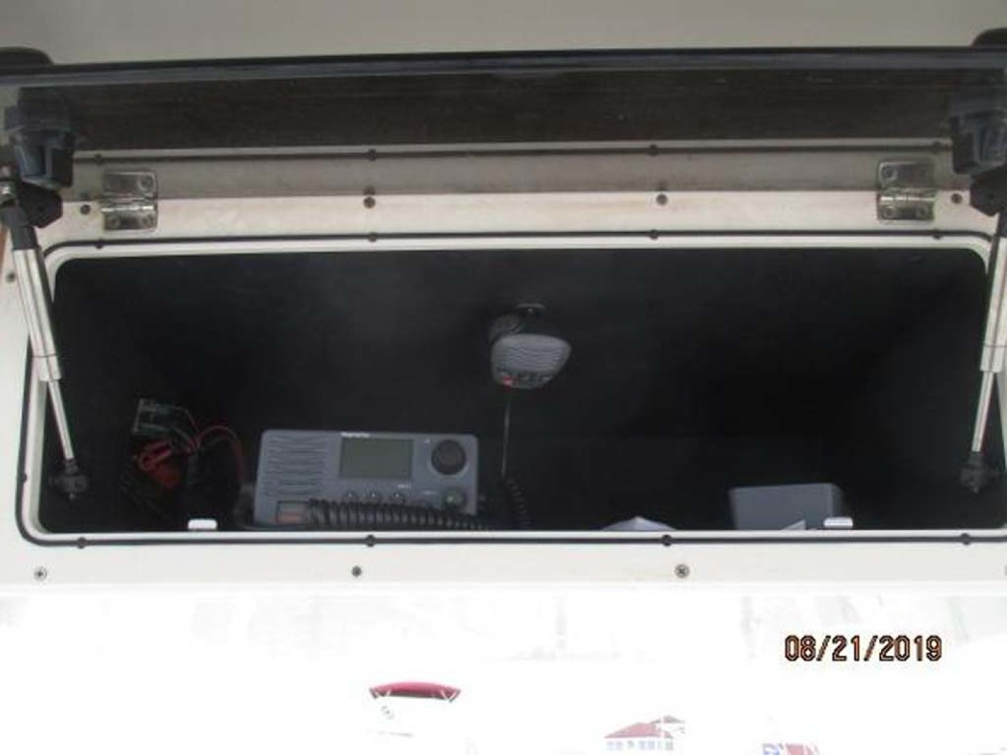 Boston Whaler-320 Outrage 2011 -Cape May-New Jersey-United States-VHF in Compartment-1237222 | Thumbnail