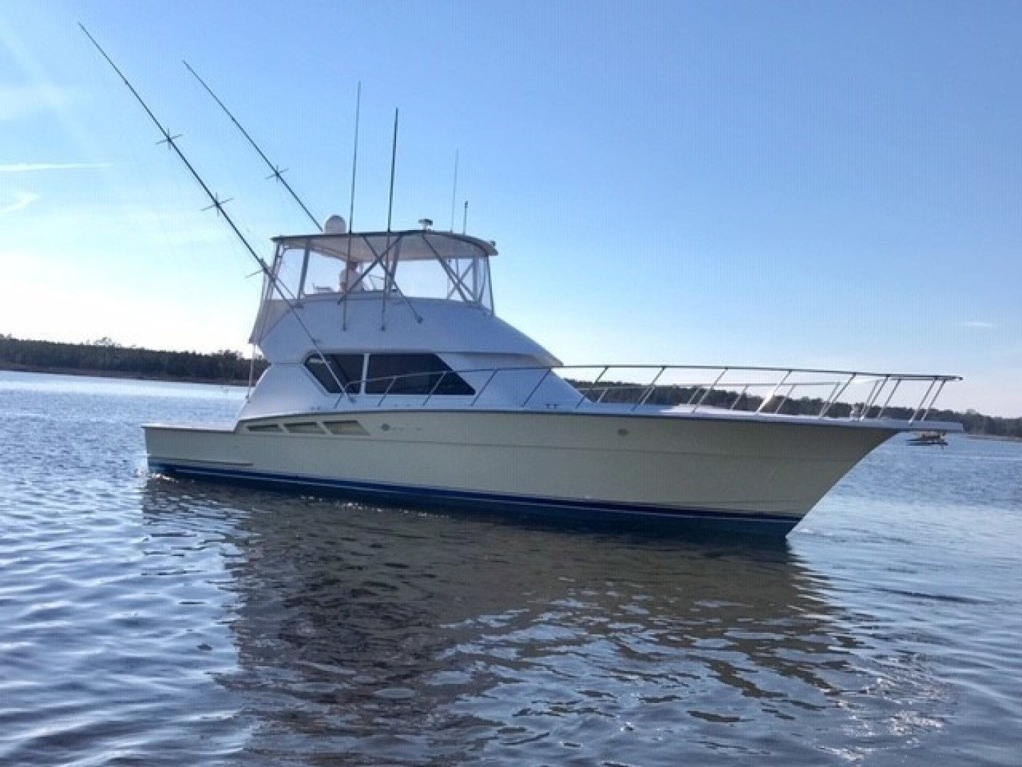Picture Of: 50' Hatteras 50 Convertible 1998 Yacht For Sale | 2 of 63