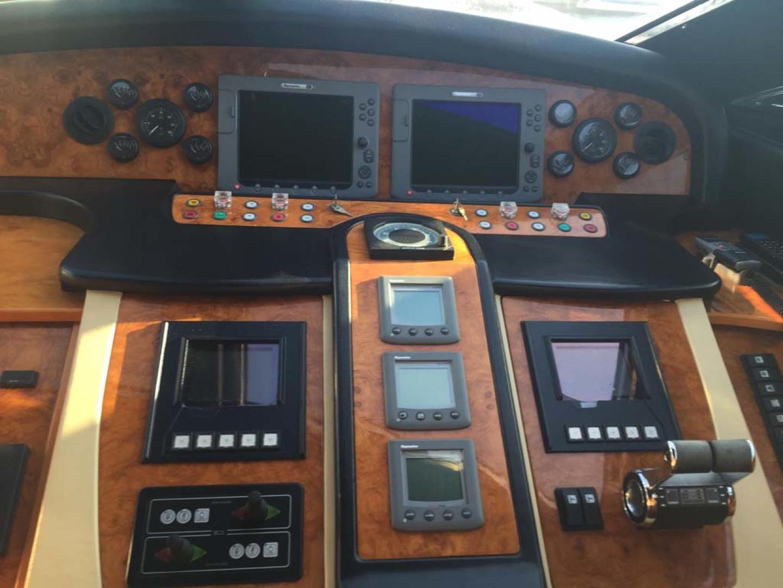 Astondoa-82 GLX 2006-Hemera Cuarta Ibiza-Spain-Helm-1239741   Thumbnail