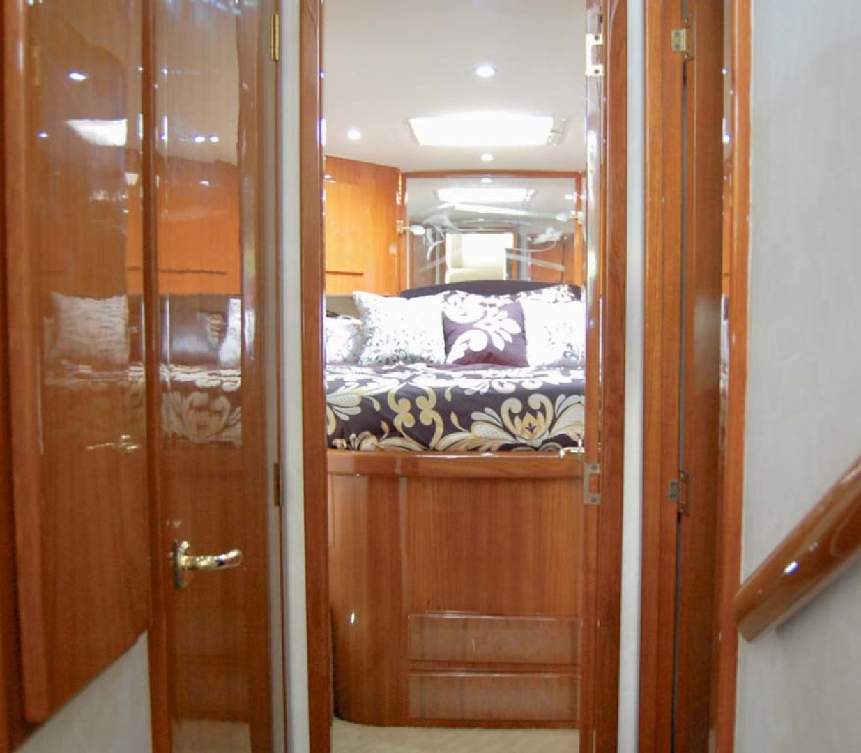 Egg Harbor-42 Sport Yacht 2002-Sir Reel Moriches-New York-United States-Companionway-1242345 | Thumbnail