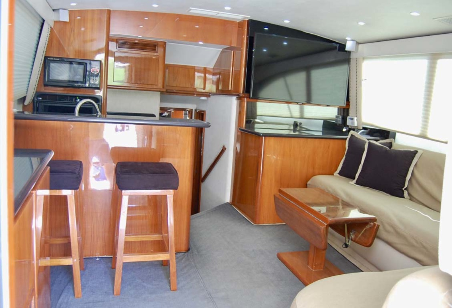 Egg Harbor-42 Sport Yacht 2002-Sir Reel Moriches-New York-United States-Salon-1242340 | Thumbnail