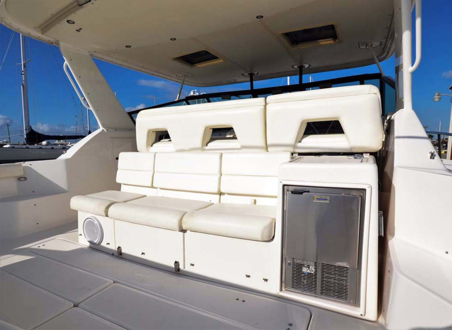 Tiara Yachts-4000 Express 2001-The Lady Barbara Melbourne-Florida-United States-Cockpit Ice Maker And Seating-1246958 | Thumbnail