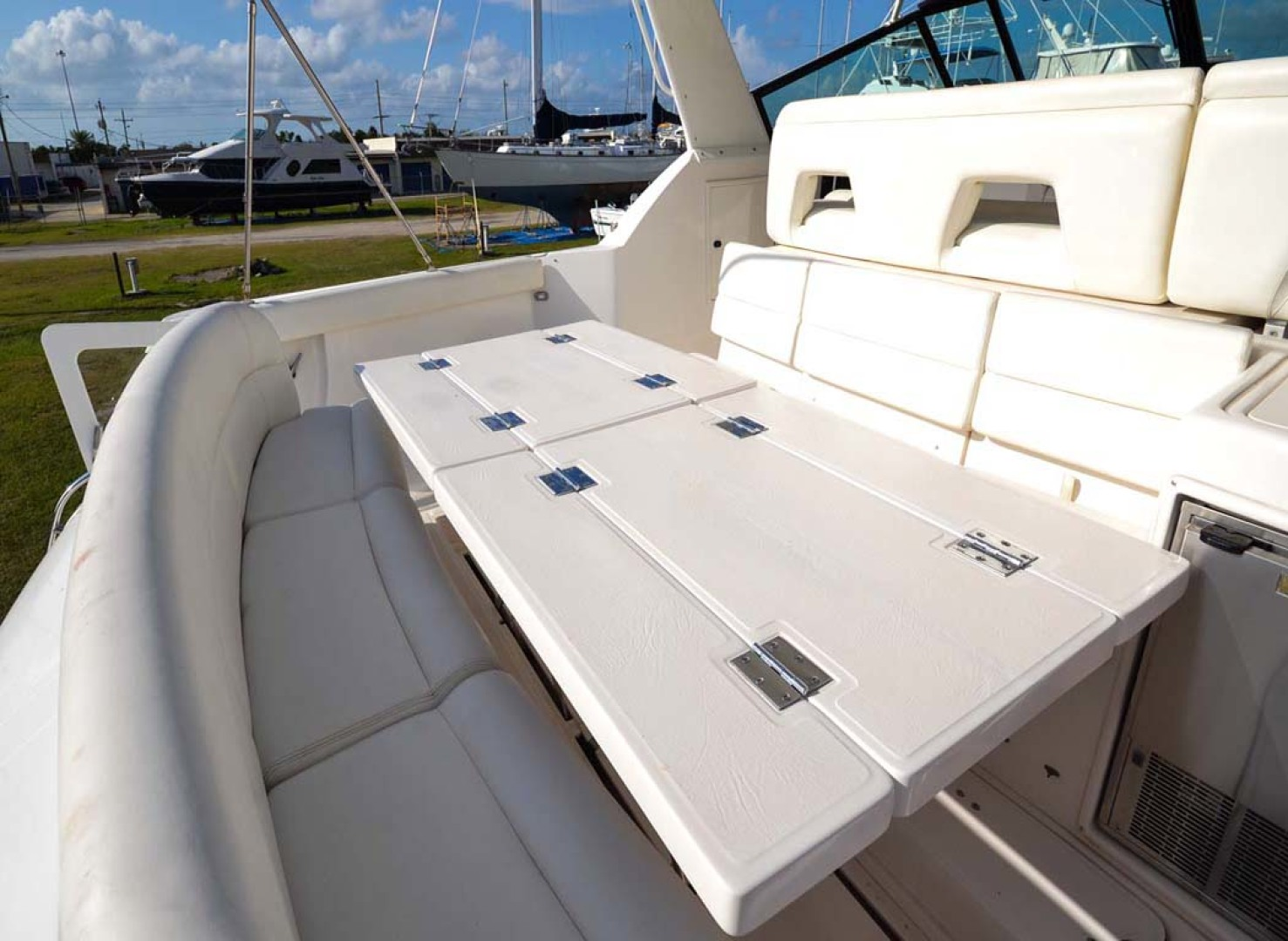 Tiara Yachts-4000 Express 2001-The Lady Barbara Melbourne-Florida-United States-Cockpit Tables Open-1246961 | Thumbnail